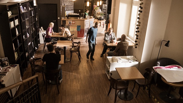 Scena w kawiarni_1